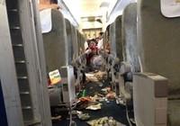 "Máy bay Vietnam Airlines ""rơi tự do"" 120 m"