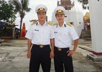 Cha và con ở Trường Sa