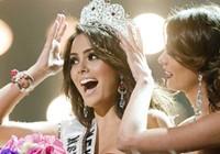 Phút đăng quang của tân Hoa hậu Hoàn vũ