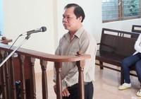 Phó phòng Tư pháp quậy cảnh sát lãnh 15 tháng tù