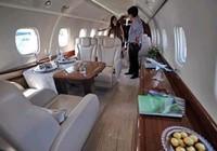 Đột nhập máy bay 30 triệu USD của Jackie Chan