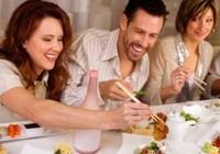 Bí kíp ăn uống tại nhà hàng dịp cuối năm