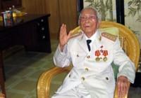 Bộ trưởng Quốc phòng chúc Tết đại tướng Võ Nguyên Giáp