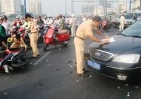 Xe ô tô tông xe máy, bốn người nguy kịch