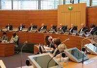 """Thẩm phán Ba Lan đại diện Trung Quốc trong vụ kiện """"lưỡi bò"""""""