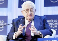 Ông Henry Kissinger nhập viện vì bị ngã