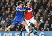MU – Chelsea: Ferguson và Benitez đấu khẩu