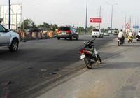 Tài xế taxi gây tai nạn rồi bỏ mặc nạn nhân thoi thóp bên đường
