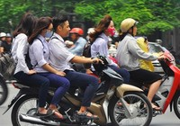 TP.HCM: Đề nghị xử nghiêm học sinh không đội mũ bảo hiểm
