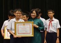 TP.HCM khen thưởng 9 HS đạt giải toán học thế giới