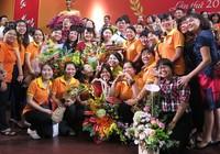 Bí thư Nhân trao giải thưởng Võ Trường Toản cho 40 GV