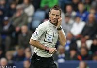 Trọng tài bắt chính derby Manchester: Ác mộng của M.U!