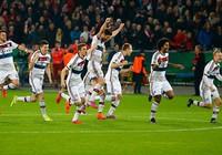 Bayern gặp Dortmund ở bán kết Cup quốc gia Đức