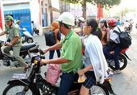 Ngày đầu tiên xử phạt việc đội mũ bảo hiểm với trẻ trên 6 tuổi