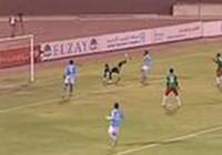 Thủ môn móc bóng tuyệt đẹp ghi bàn… phản lưới nhà