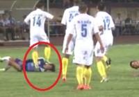 Giẫm lên mặt cầu thủ HAGL, hậu vệ Hà Nội T&T bị phạt nặng