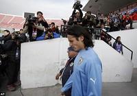 Nhận hung tin, Cavani có thể lỡ Copa America