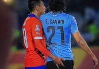 Sàm sỡ Cavani, cầu thủ Chile bị treo giò hết giải