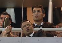 Cristiano Ronaldo được chọn là phù rể cho… siêu cò