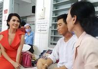 Phan Thị Mơ lần thứ hai tiếp sức cho 'Người cha bệnh tim nuôi con bị ung thư'