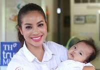 Hoa hậu Hoàn vũ Việt Nam mang tiếng cười đến các em nhỏ