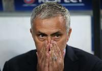 Mourinho nhận án phạt hơn 1,7 tỉ đồng vì chỉ trích trọng tài