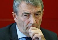 Vụ mua phiếu đăng cai World Cup 2006: Chủ tịch LĐBĐ Đức đuối lý