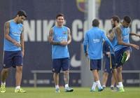 Messi trở lại, bộ ba M-S-N khiến Rafa đau đầu