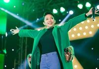 Hơn 30.000 sinh viên Hà Nội cuồng nhiệt với Sơn Tùng M-TP, Tóc Tiên