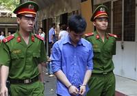 Chích điện cướp ô tô... được 300.000 đồng và 10 năm tù