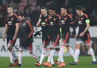 Đá quá dở, hàng loạt sao Man Utd bị giảm lương