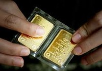 Giá vàng trong nước gần bằng  thế giới