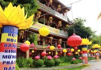 Sài Gòn rực rỡ cờ hoa đón lễ Phật đản