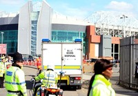 Cảnh sát xác nhận có bom... giả ở Old Trafford