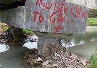 Thành lập tổ điều tra sự cố mưa lớn xô ngã cầu bê tông tiền tỉ