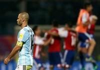 Argentina thua sốc, Brazil tiếm ngôi đầu