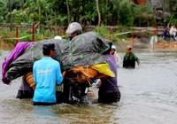 Ngành y tế ứng phó, khắc phục hậu quả mưa lũ miền Trung