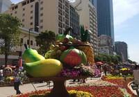 Ngắm đường hoa Nguyễn Huệ khoe sắc sáng 30 tết