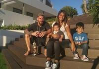 Messi mua luôn nhà của hàng xóm vì họ quá… ồn ào
