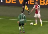 Pha bóng láu cá nhất mọi thời đại của cầu thủ Ajax
