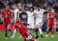 """Trọng tài đã """"giết"""" Bayern Munich"""