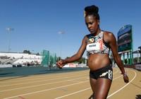 Chấn động: Mang bầu 5 tháng, nữ VĐV vẫn thi chạy 800m