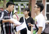 Thí sinh đăng ký tuyển sinh ĐH, CĐ giảm là điều đáng mừng