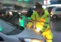 Truy tìm tài xế taxi vượt đèn đỏ, bất chấp CSGT