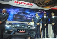 Nhiều xe mới xuất hiện ở triển lãm ô tô Việt Nam 2016