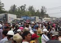 Dân chặn quốc lộ: Vì sao lòng dân vẫn vướng?