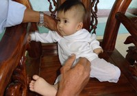 Lại một em bé bị bỏ rơi thương tâm