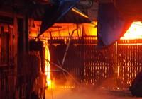 Cháy nhà, hai vợ chồng nguy kịch