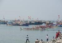 Lễ hội đua thuyền đầu năm trên biển