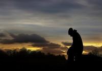 Vì sao đàn ông thất tình đau đớn hơn phụ nữ?